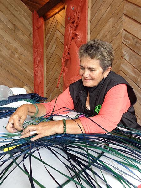Tina Wirihana: Weaving