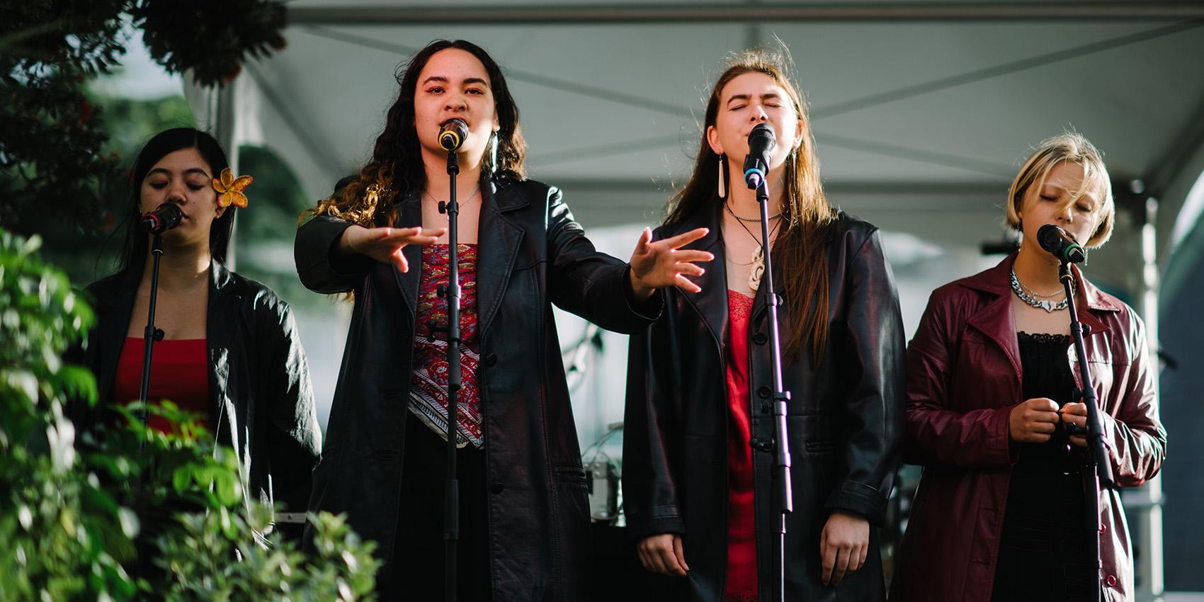 Ngā Hinepūkōrero – Spoken Word Poets