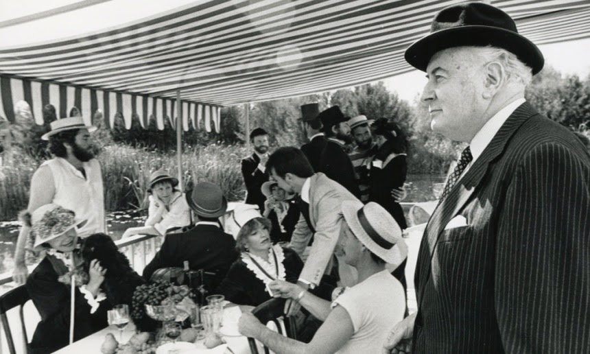 http://rfacdn.nz/artgallery/assets/media/blog-gough-whitlam.jpg