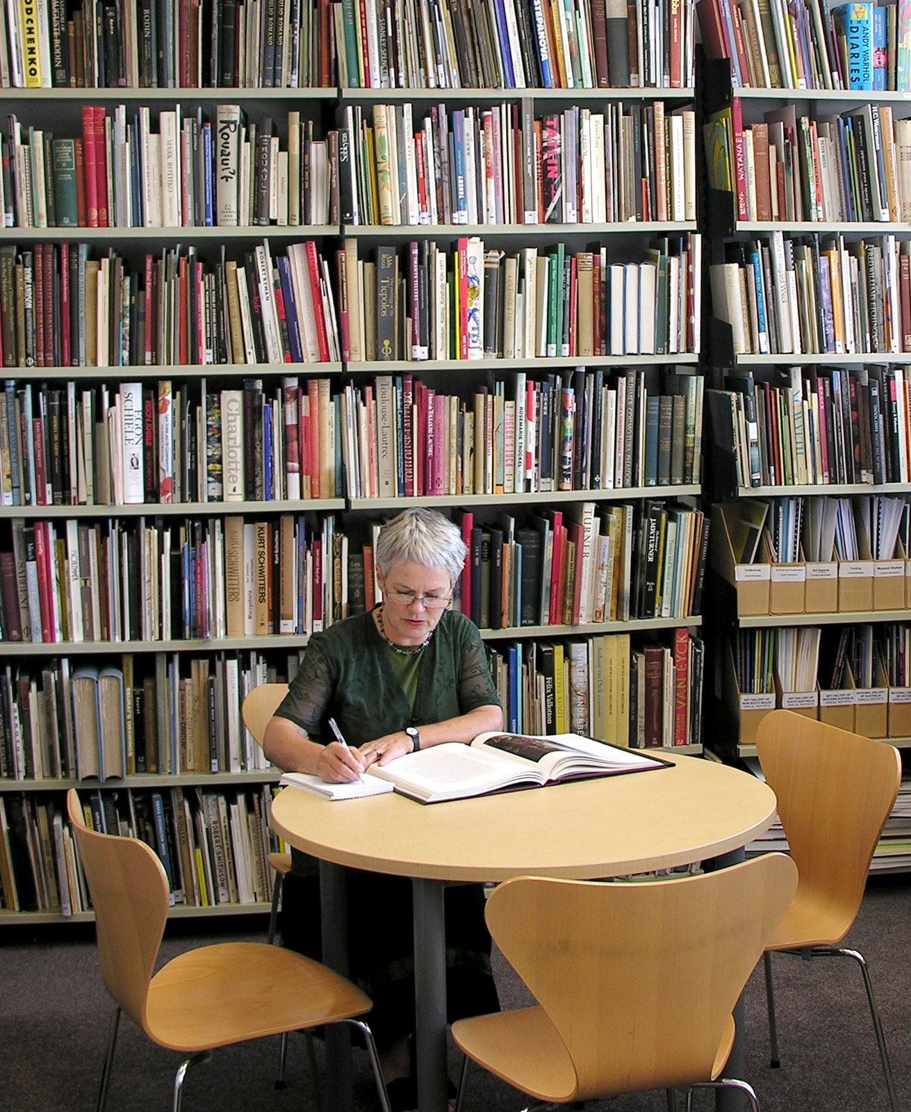 http://rfacdn.nz/artgallery/assets/media/blog-research-library-relocates-5.jpg