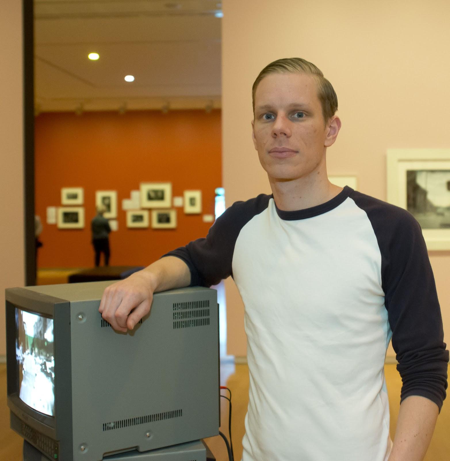 http://rfacdn.nz/artgallery/assets/media/blog-staff-spotlight-scott-everson.jpg