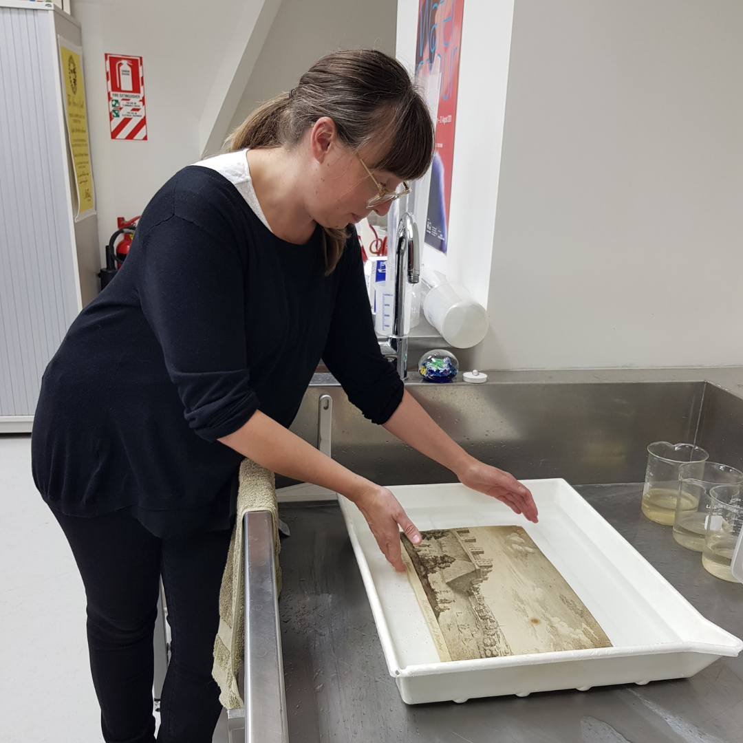 Paint pigments and paper conservation Image