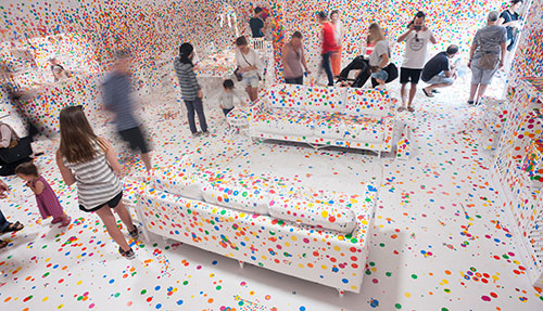The obliteration room: timelapse Image