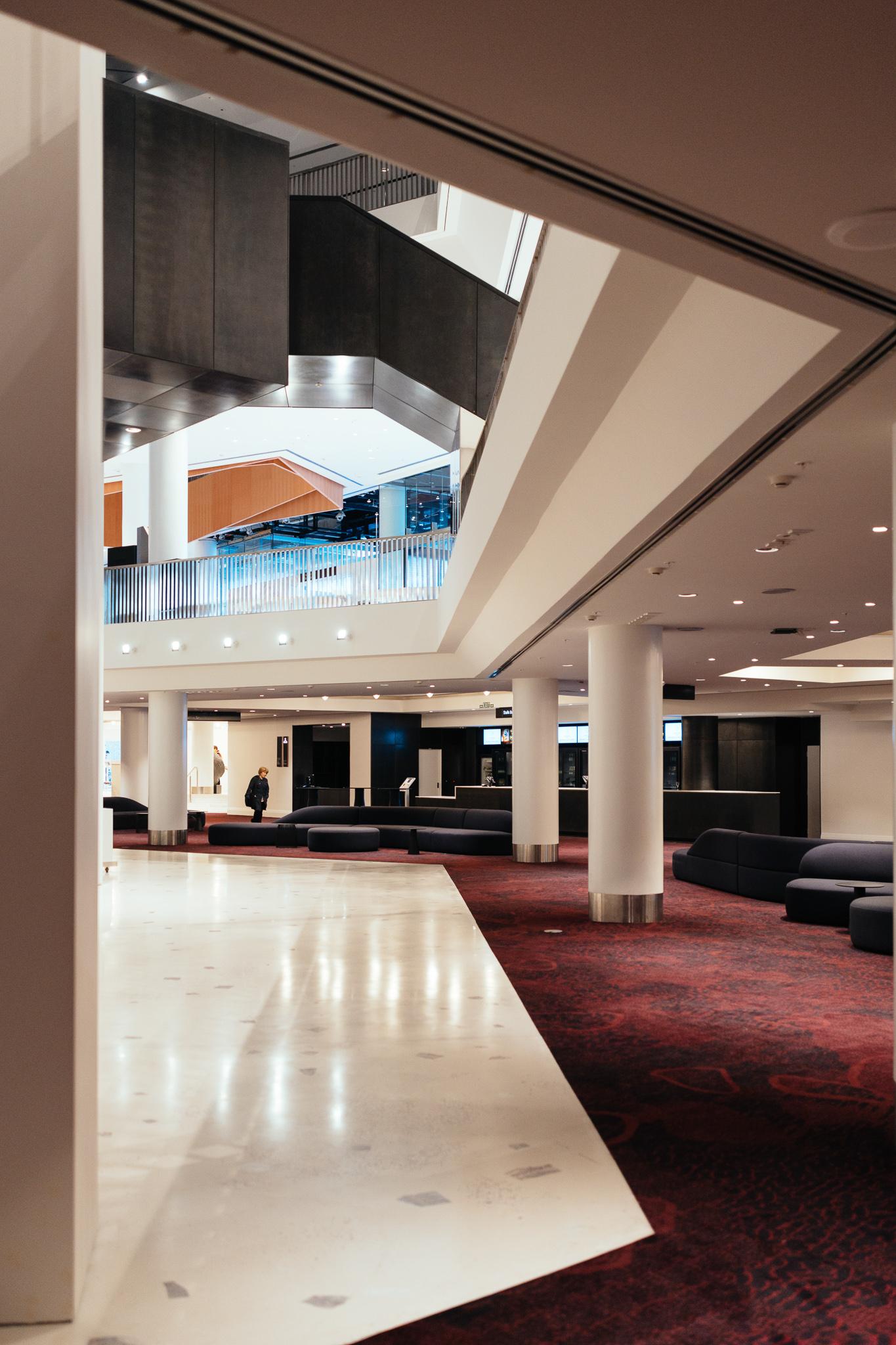 https://rfacdn.nz/conventions/assets/media/aotea-centre-level-2-stalls-foyer.jpg