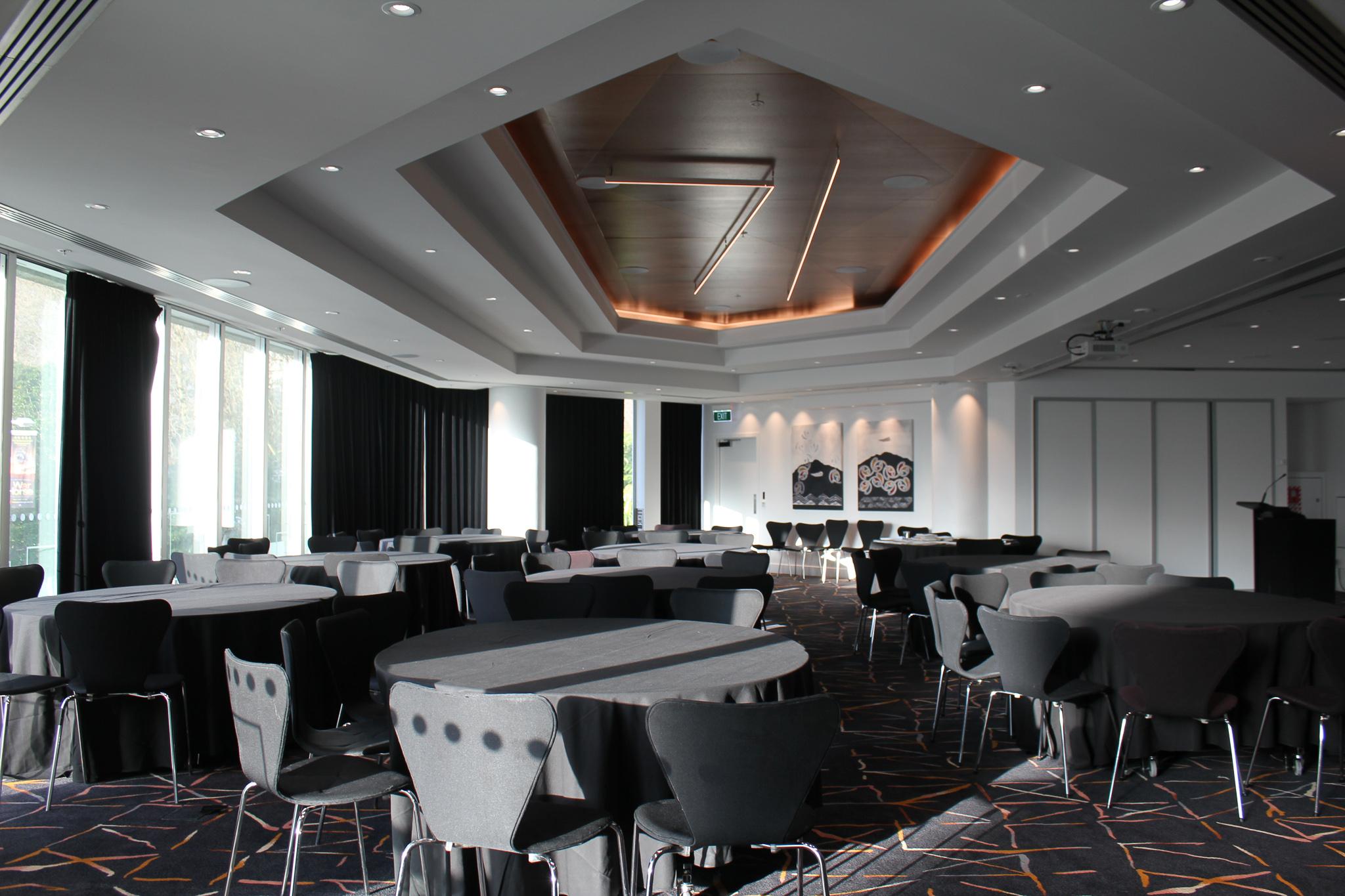 https://rfacdn.nz/conventions/assets/media/aotea-centre-waihorotiu-1-banquet-2.jpg