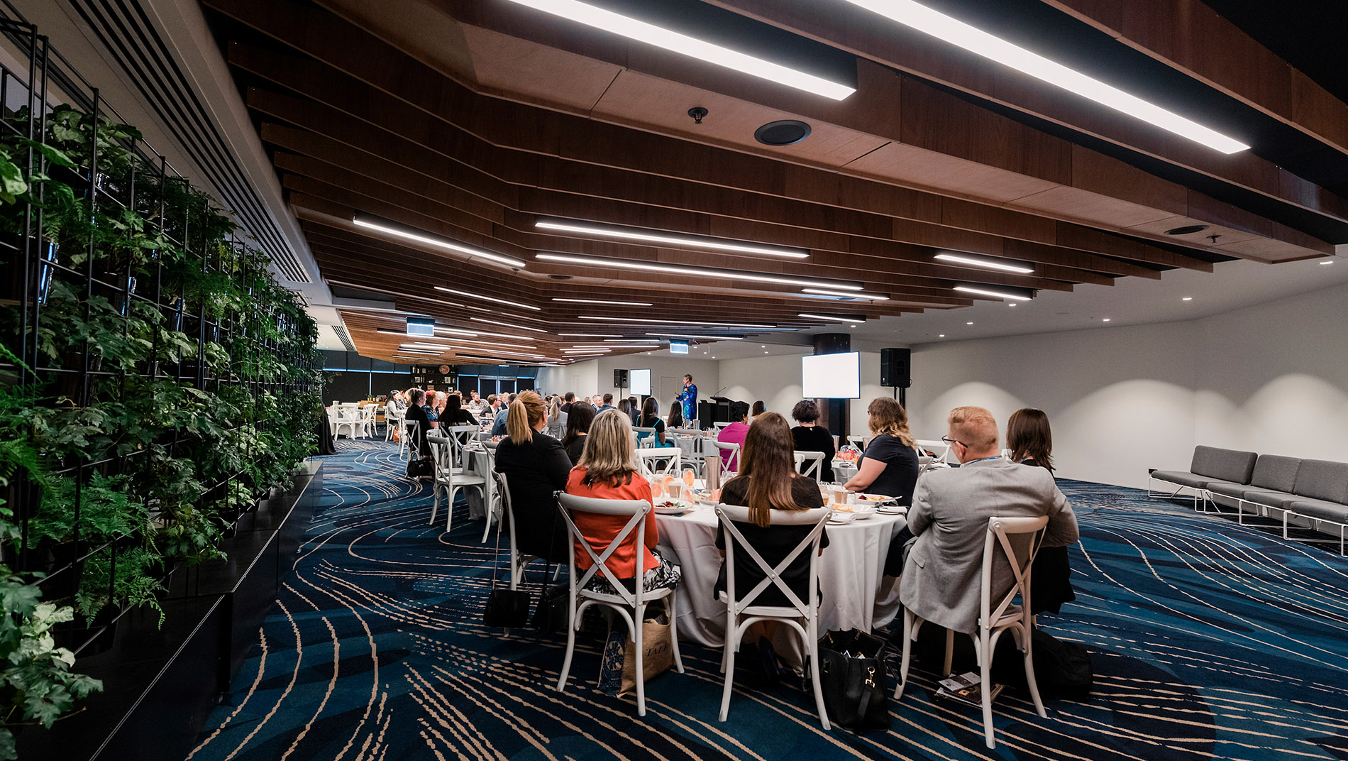 https://rfacdn.nz/conventions/assets/media/home-page-hero-image-0000-limelight-rooms-banquet-style.jpg