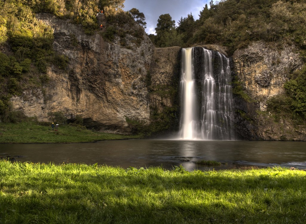 https://rfacdn.nz/conventions/assets/media/hunua-falls.jpg