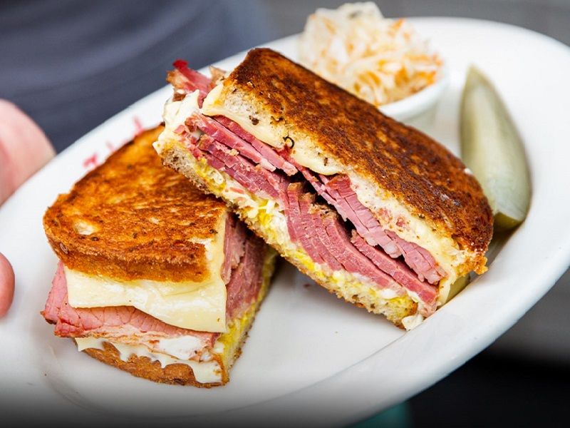 https://rfacdn.nz/corporate/assets/media/media-iconic-eats-the-fed-toasted-reuben-gallery.jpg