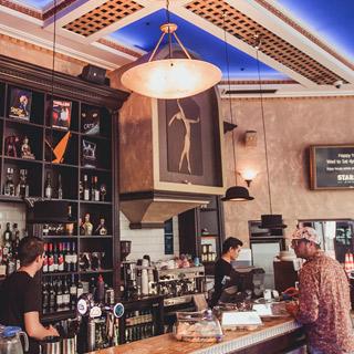 Stark's Café and Bar