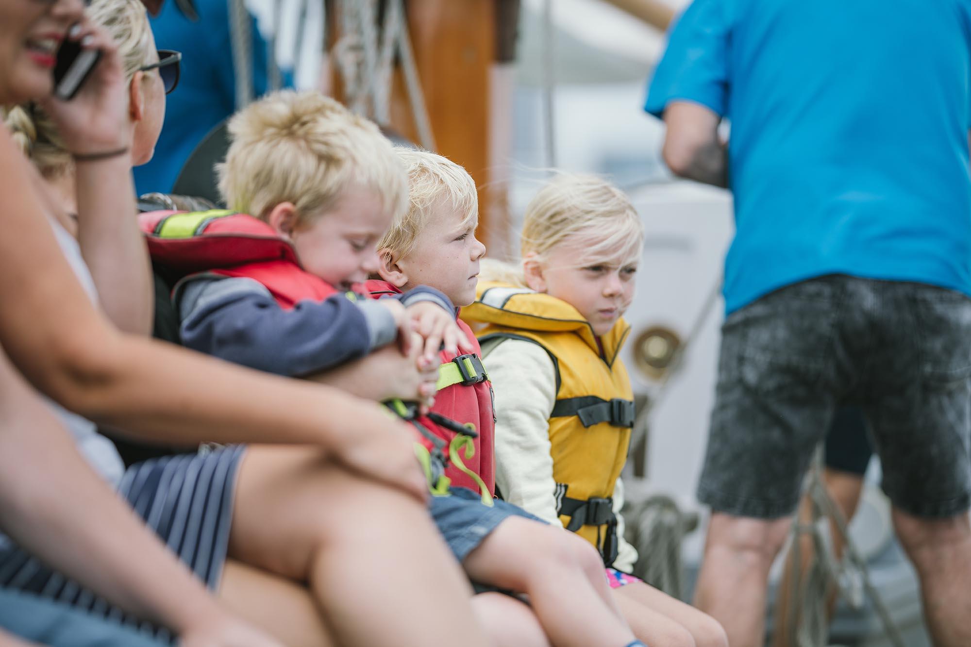 https://rfacdn.nz/maritime/assets/media/ted-ashby-children-family-group-carousel.jpg