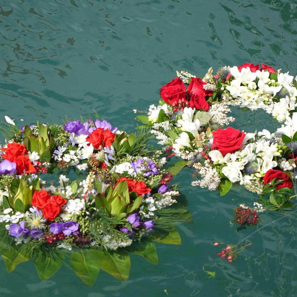 https://rfacdn.nz/maritime/assets/media/wreaths-in-water-thumbnail-merchant-navy.jpg