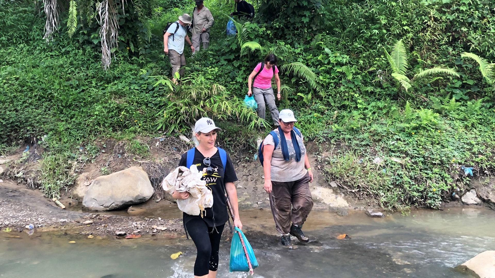 https://rfacdn.nz/zoo/assets/media/volunteers-in-sumatra-gallery-3.jpg